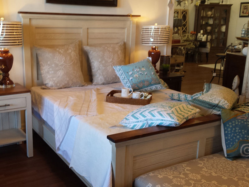 Queen Size Bed Frame / White Painted Queen Size Bed / Oak Bed / White Wash Bed