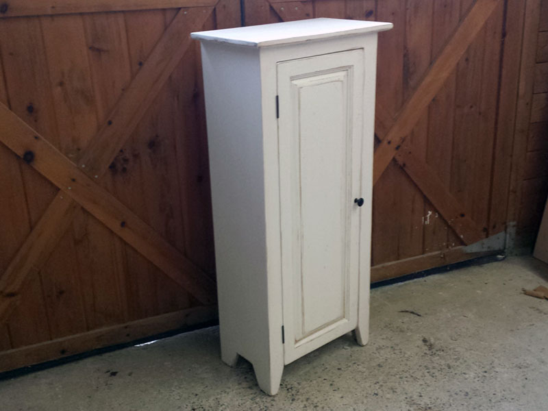 White Painted Jelly Cabinet / One Door Hutch / Solid Wood Cupboard with Raised Panel Door / Kitchen Storage / Country Style / Pie Safe